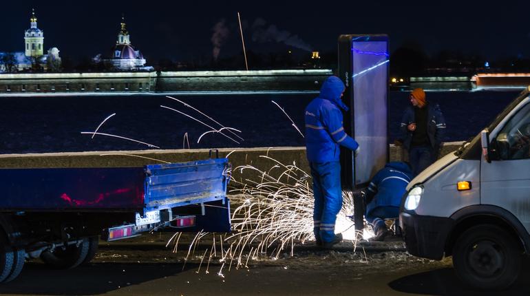 В этом году в Петербурге демонтировали 8 тысяч незаконных рекламных конструкций