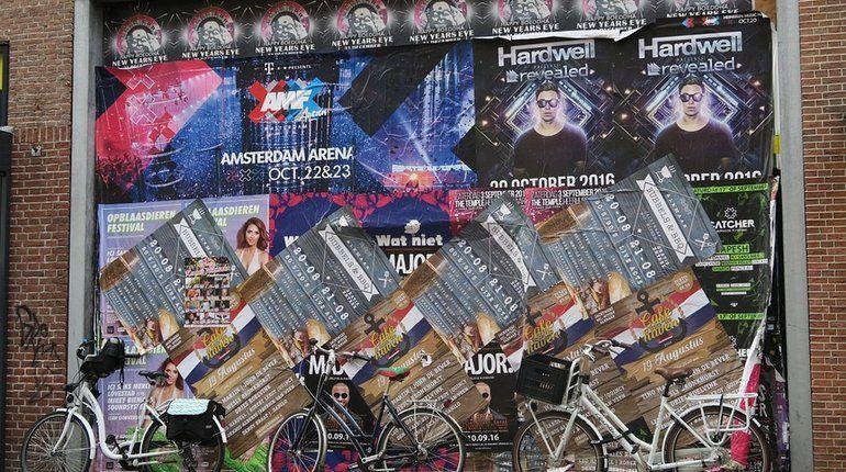 Борьбу с незаконной рекламой в Петербурге хотят «спихнуть» на районы