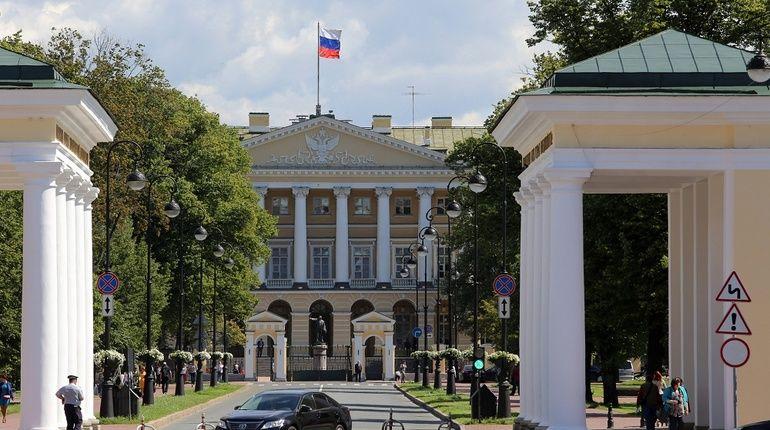 Администрация губернатора Санкт-Петербурга сегодня разразилась гневным заявлением по поводу публикации на