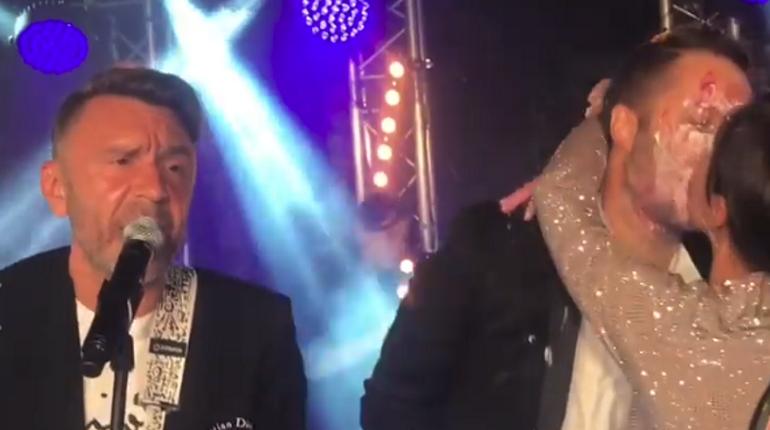 Сергей Шнуров выступил на свадьбе Александра Цыпкина и Оксаны Лаврентьевой.