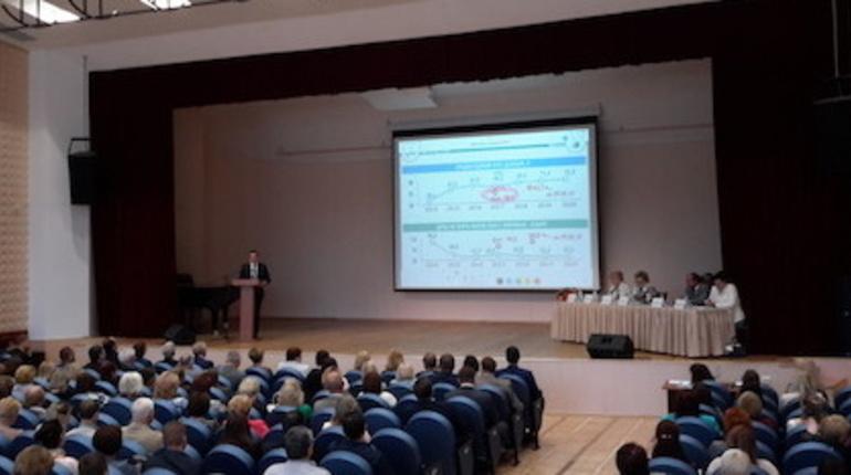 В городе Кириши состоялось общественное обсуждение финансовых итогов 2017 года.