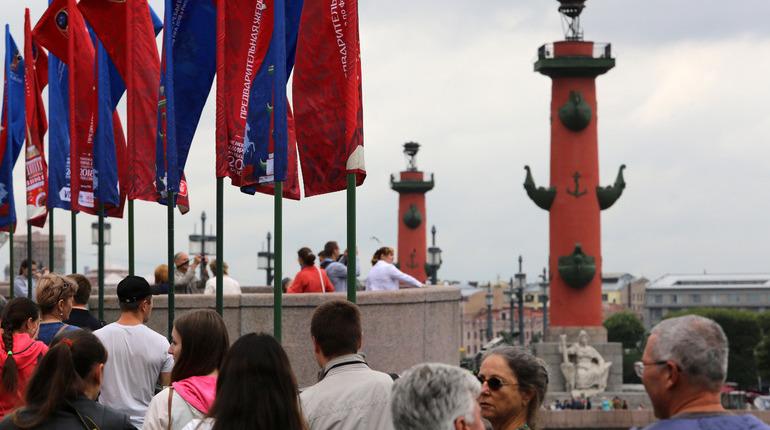 Петербург встречает гостей ЧМ-2018 очередями, дорогими квартирами и проститутками