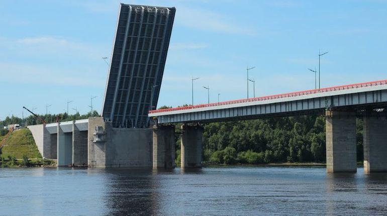 Ладожский мост разведут с 10:00 до 10:45.