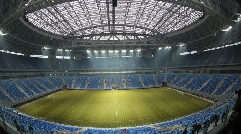 В Петербурге сотрудники полиции задержали двух мужчин. Они пытались проникнуть на территорию стадиона «Санкт-Петербург» на Крестовском острове.