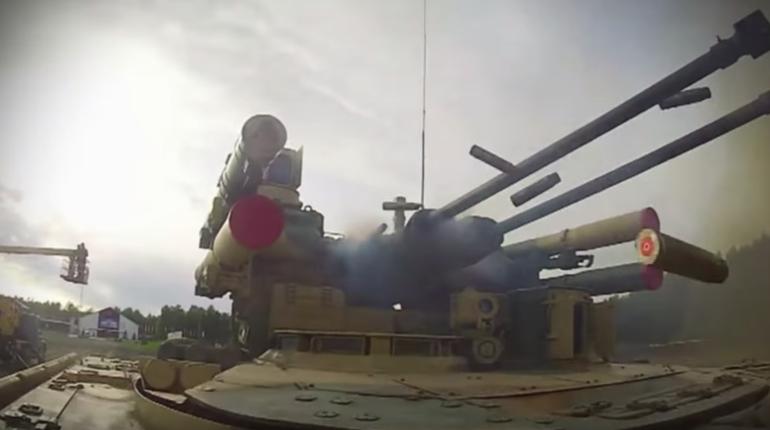 Новейшие военные разработки России заставили американцев занервничать. Боевая машина поддержки танков «Терминатор-3» назвали угрозой для ударных дронов. Дроны до настоящего момента считались непобедимым оружием США.