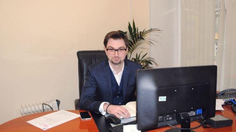 После Петербургского международного экономического форума с этой должности ушел Андрей Мушкарев,  его место занял  Евгений Панкевич.