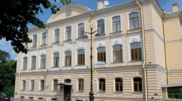 Министр иностранных дел Великобритании Борис Джонсон заявил, что британское консульство, которое расположено в Санкт-Петербурге, будет продолжать свою работу до конца Чемпионата мира по футболу.
