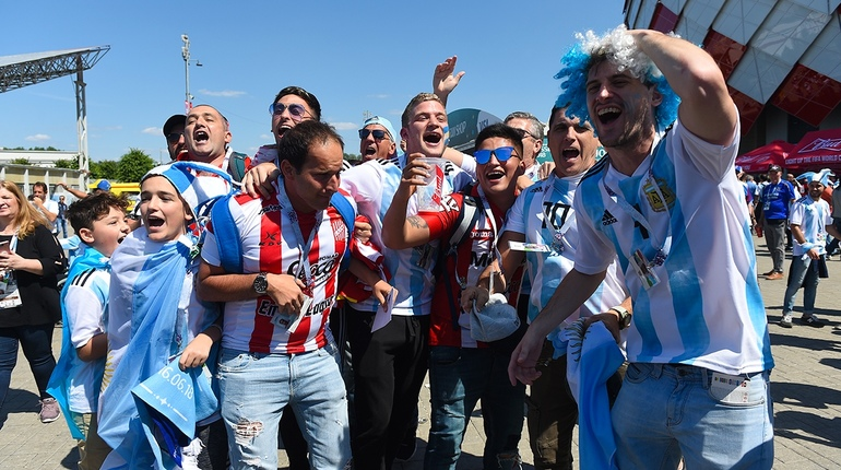 В Москве стартовал очередной матч Чемпионата мира по футболу. На поле встречаются сборные Аргентины и Исландии.