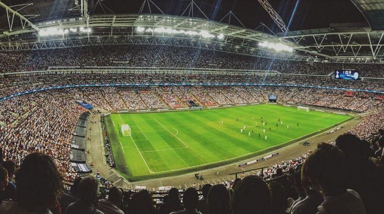 Сегодня в 22:00 началась встреча между сборными из Нигерии и Хорватии, матч проходит в самой западной точке России – Калининграде.