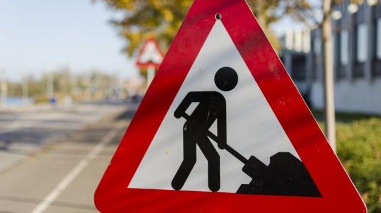 С сегодняшнего дня в Колпино начнется ремонт дорожного покрытия, поэтому Никольский мост перекроют.
