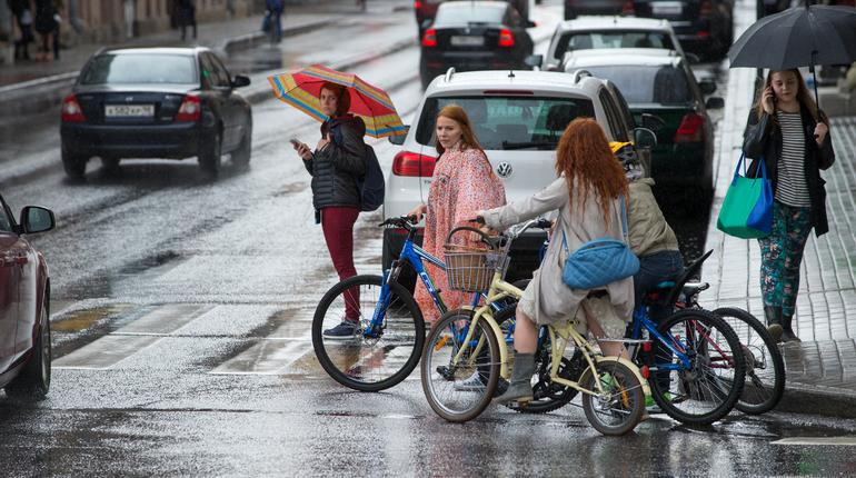 Воскресенье в последний раз порадует петербуржцев солнцем перед началом дождей. Синоптики обещают, что лить в Петербурге будет следующие два дня.