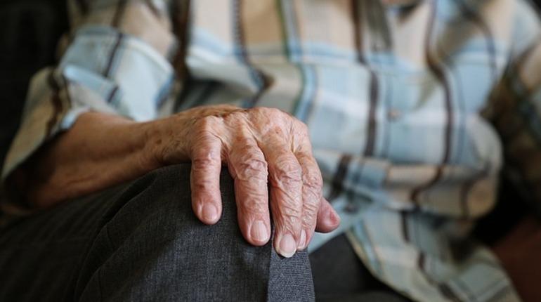 Петицию против повышения пенсионного возраста подписало более миллиона россиян. Профсоюз, организовавший сбор подписей,  обещает протесты в случае принятия изменений.