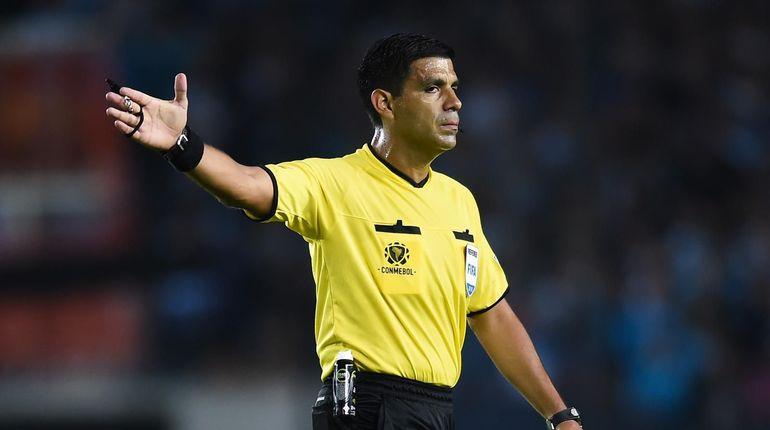 Главным арбитром на матче сборной России и Египта станет парагвайский судья Энрике Касерес. Матч будет проводиться на стадионе