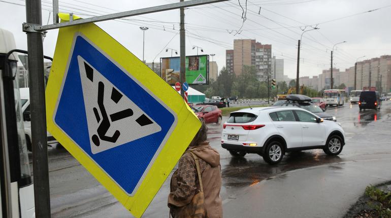Главное управление МЧС России по Санкт-Петербургу предупреждает жителей и гостей Северной столицы об усилении ветра.