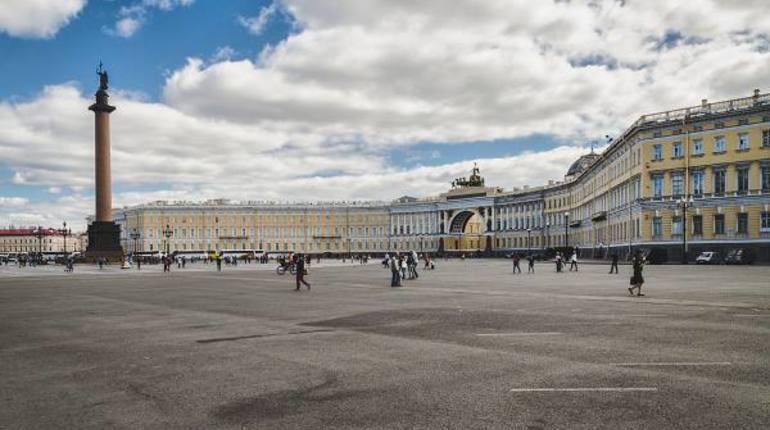 На Дворцовой площади раскинется кинотеатр под открытым небом