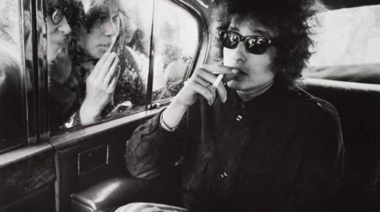 Гитара Боба Дилана ушла с молотка почти за 400 тысяч долларов
