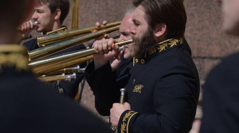 В рамках проекта «Бессмертный оркестр» в Памятном зале Монумента героическим защитникам Ленинграда выступит Российский роговой оркестр.
