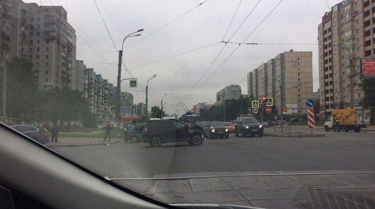 В ДТП на Ириновском проспекте пострадали двое детей