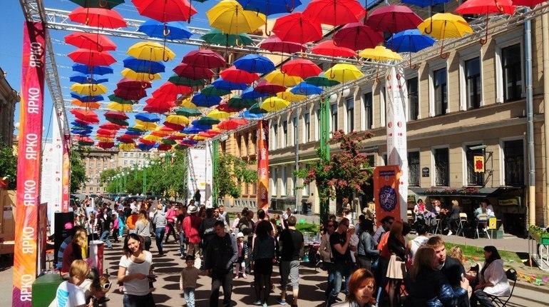 Петербуржцы собрали 25% суммы на «Аллею парящих зонтиков»