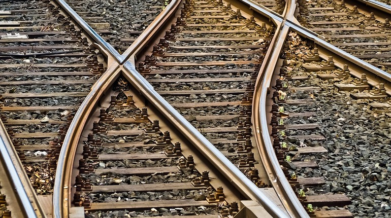 Отработанные шпалы и фильтры от петербургских трамваев поедут под Всеволожск