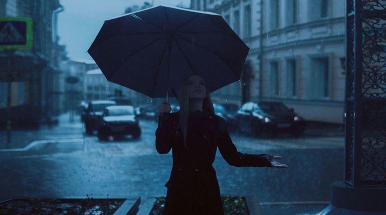 В первый день июля петербуржцев вновь поливает дождь