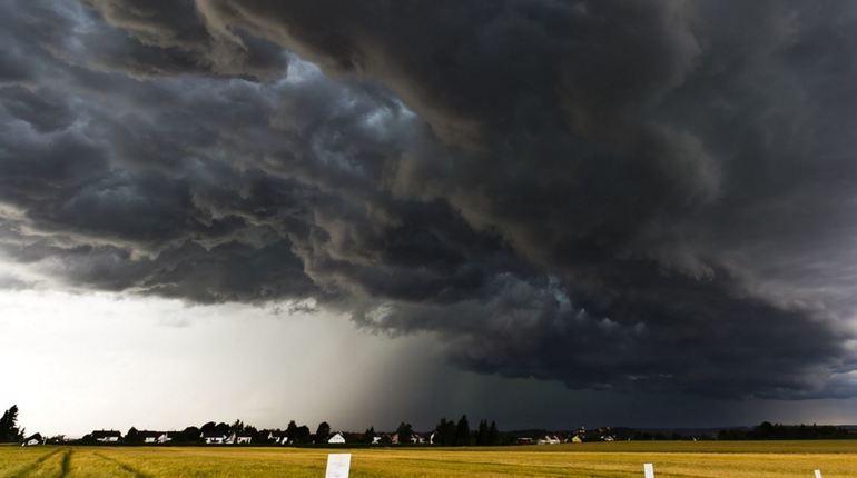 МЧС предупредило об опасной погоде в Ленобласти 2 июля