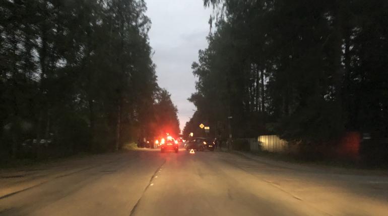 В Приморском районе автомобиль улетел в кювет после столкновения