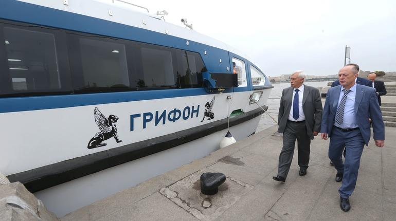 Полтавченко показали катамаран, созданный на Средне-Невском судостроительном заводе