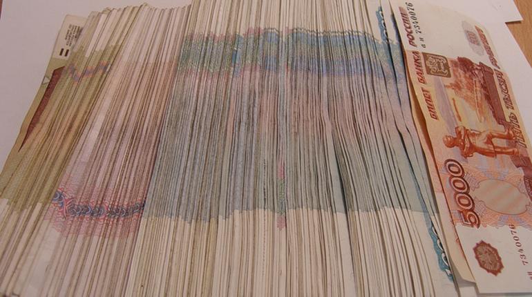 Полиция Петербурга задержала членов организованной группы, которые похитили миллионы с банковских счетов VIP-клиентов