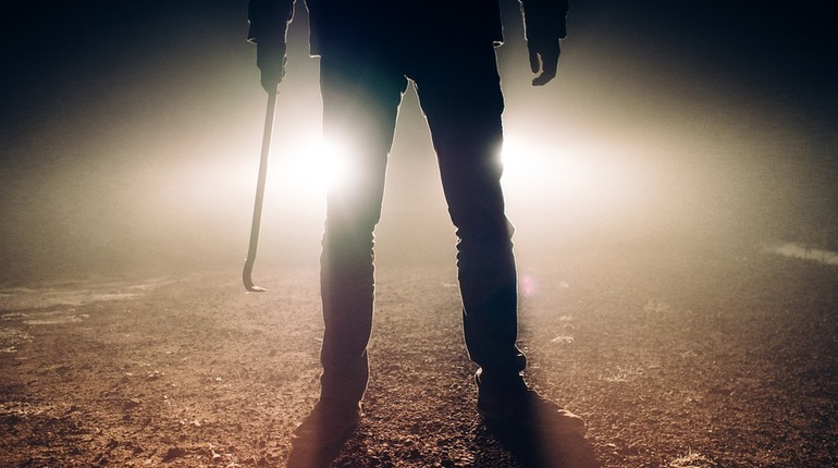 Преступный квартет проломил череп приемщику металла в Красном Селе