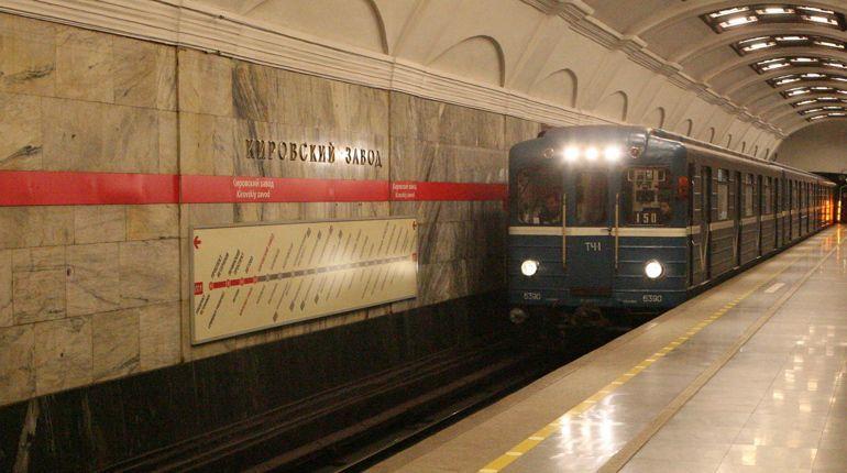 У станции метро «Кировский завод» установят камеры видеонаблюдения
