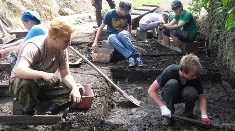 В Великом Новгороде петербургские археологи обнаружили 900-летний артефакт