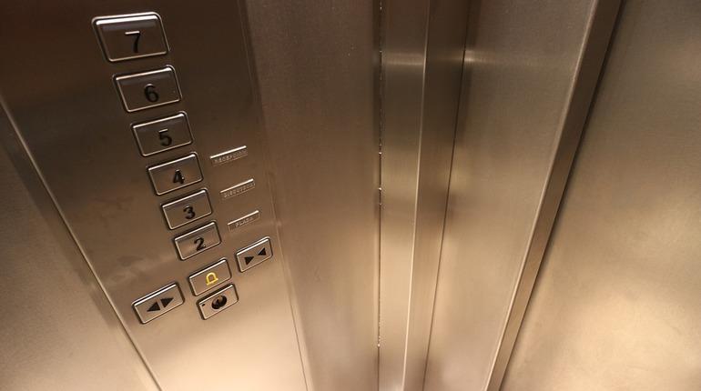 В Москве лифт упал с высоты 40-го этажа