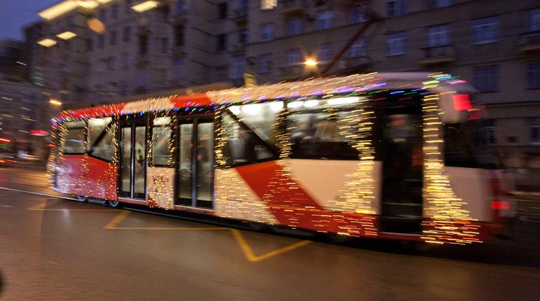Трамваи на несколько часов изменят маршруты движения на Охте