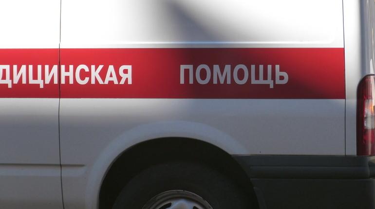 В Петербурге сварщика увезли на «скорой» после взрыва баллона с газом