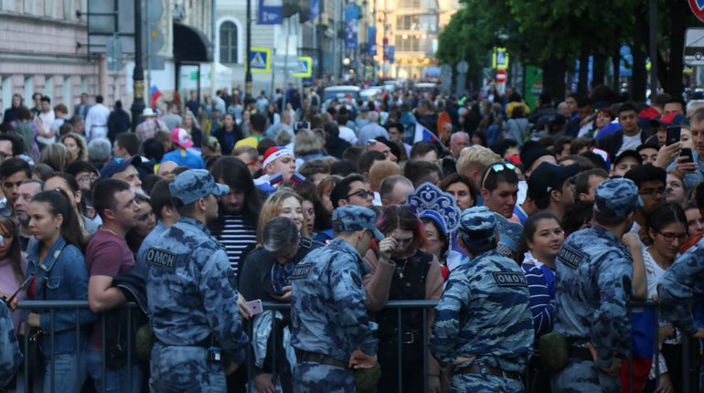 Улицы Петербурга опустели из-за матча Россия-Хорватия
