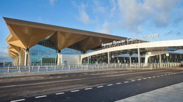 Главгосэкспертизой России был рассмотрен проект реконструкции перрона № 3 и мест стоянок самолетов, которые прилегают к аэровокзальному комплексу «Пулково-2».