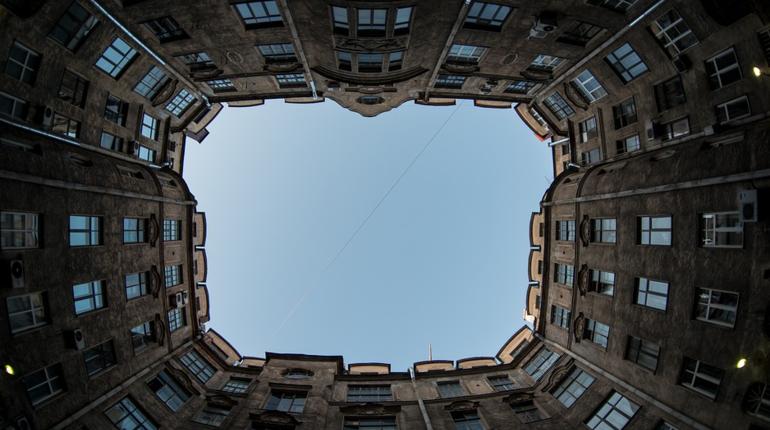 Опасные петербургские крыши отремонтируют до конца 2019 года