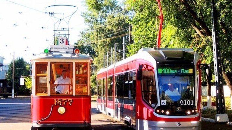 «От конки до трамвая»: Петербург празднует 110-летие самого народного транспорта