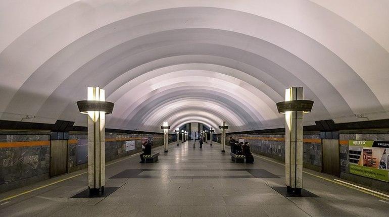 Метро «Ладожская» закрыли для пассажиров