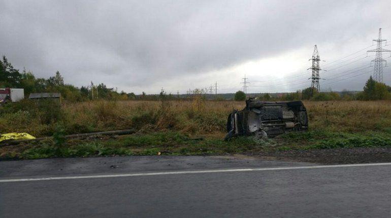 В Ломоносовском районе Ленобласти, на трассе под поселком Разбегаево, произошло серьезное ДТП.