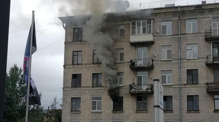 На Боровой горела вонючая квартира