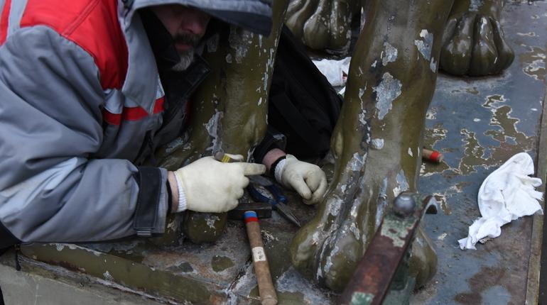В Петербурге волонтеры поучаствуют в реставрации памятников