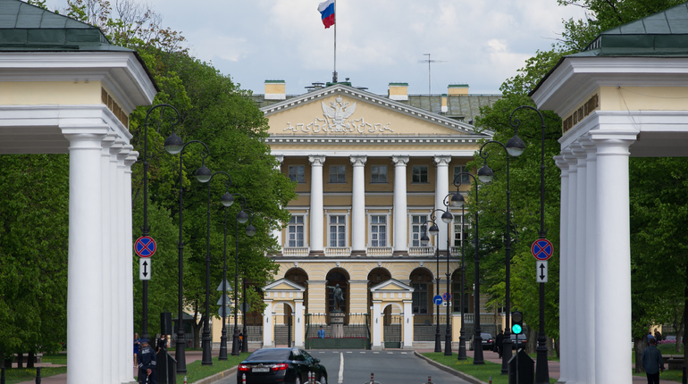 В Смольном заявили, что отсутствие роста заработной платы в Петербурге не является устойчивой тенденцией, в скорее отражает краткосрочный тренд.