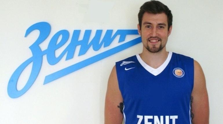 Форвард петербургского баскетбольного клуба