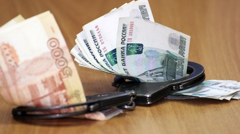 Главу МО в Ленобласти обвиняют в получении взятки более 6 млн рублей