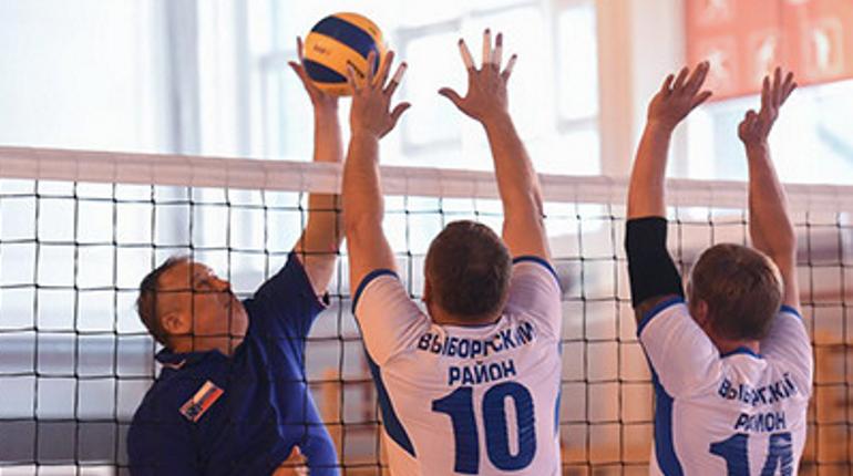 Дрозденко по-дружески сыграл в Выборге