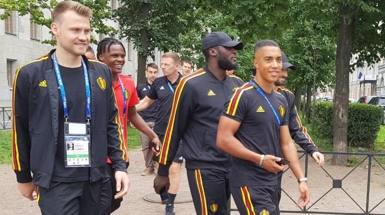Сборная Бельгии прогулялась по Петербургу перед матчем ЧМ