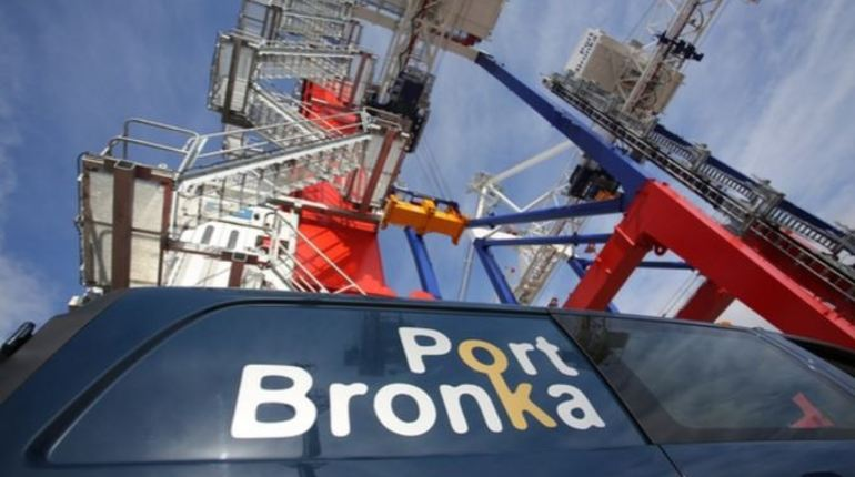 В порту Бронка матрос из Филиппин найден на 14-метровой глубине