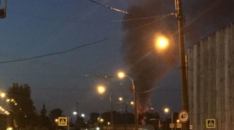 Над станцией «Сортировочная-Московская» поднялся черный дым